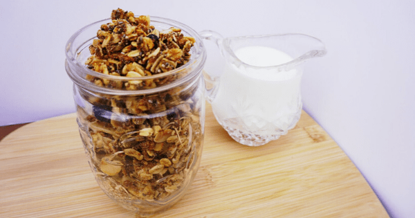 Eat This: Crunchy Vanilla Coconut Granola! Featured Image